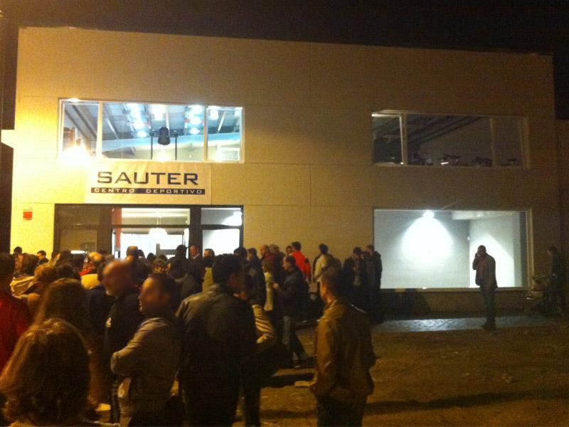 Nave prefabricada gimnasio Barbastro (Huesca) | Exterior nocturno